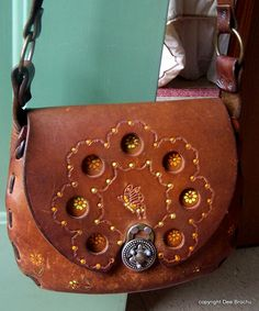Hey, I found this really awesome Etsy listing at https://www.etsy.com/listing/194901668/saddle-leather-shoulder-bag-by-canale