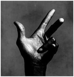 La main de Miles Davis © Copyright Irving PENN