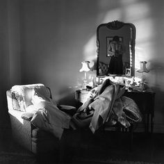 Beautiful and Artistic Self-Portraits by Vivian Maier – Fubiz Media www.lab333.com www.facebook.com/pages/LAB-STYLE/585086788169863 http://www.lab333style.com https://instagram.com/lab_333 http://lablikes.tumblr.com www.pinterest.com/labstyle