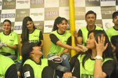 Rozlyn Khan cheering for Mumbai Tigers at BCL