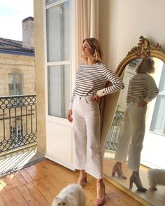 10 Casual Friday Work Outfits to Copy for Summer - Work Outfits Women French Fashion, Look Fashion, Womens Fashion, Parisian Fashion, Parisian Chic Style, Fashion Vintage, Fashion 2018, Minimalist Fashion French, Parisian Wardrobe