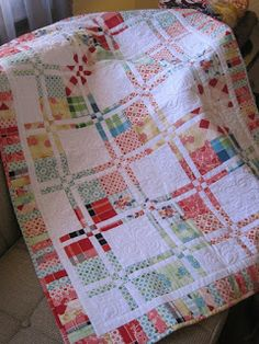 Tin Whistle: Disappearing four patch quilt