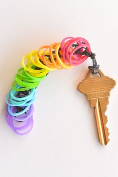 How to Make a Rainbow Loom Key Chain #rainbowloom