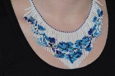 Blue White Beadwork Rose Necklace Beadweaving door Trendydeals