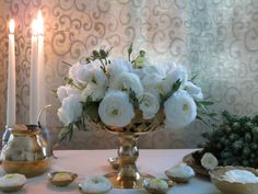 centerpieces white ranunculus