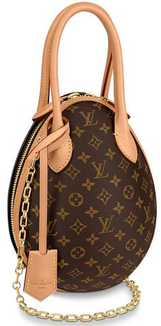 Louis Vuitton Posted by Brusilla Luxury Handbags, Louis Vuitton Handbags, Fashion Handbags, Purses And Handbags, Fashion Bags, Zapatillas Louis Vuitton, Beautiful Handbags, Vuitton Bag, Prada