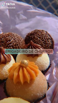 Food F, Deli Food, Eggless Desserts, Chocolate Desserts, Brigadeiro Recipe, Desert Recipes, Food Cravings, Cake Recipes, Food And Drink