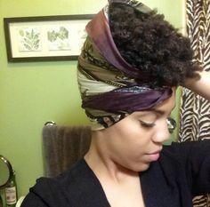 Vidéo : pineappling for short hair -> http://www.theprettygirlsguide.com/2014/07/how-to-pineapple-short-natural-hair.html