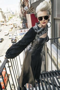 At 'Accidental Icon' Lyn Slater breaks fashion barriers (and looks amazing) Moda Professor, Super Moda, Mode Ab 50, Accidental Icon, New Yorker Mode, Modelos Fashion, Estilo Blogger, Cooler Look, Fashion Blogger Style