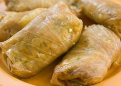 Forget those active cabbage roll recipes, lazy is the way to go. Slow-cooking cabbage leaves stuffed with spanish rice and ground beef gives you plenty of time to do something other than cooking. Lazy Cabbage Rolls, Cabbage Rolls Recipe, Cabbage Roll Casserole, Crockpot Recipes, Cooking Recipes, Yummy Recipes, Spanish Rice Recipe, Bulgarian Recipes, Slovak Recipes