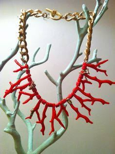 Coral pieces necklace