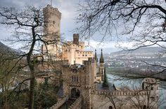 Das Schloss Stolzenfels (click for website) on the outskirts of Koblenz in Rheinland-Pfalz, Southwestern Germany. The neo-Gothic castle's origins date from the mid-13th century, when the archbishop of Trier sought to counter the influence and toll...