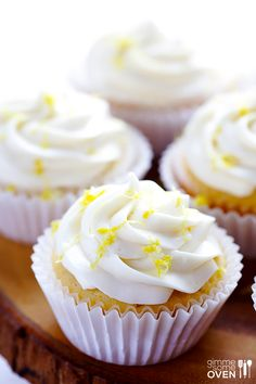 Honey Lemon Cupcakes with Honey Cream Cheese Frosting. Soon Cupcakes Soon. Lemon Cupcakes, Baking Cupcakes, Yummy Cupcakes, Cupcake Cakes, Bundt Cakes, Frosting Recipes, Cupcake Recipes, Baking Recipes, Dessert Recipes