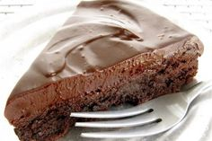 Recipe: Flourless Chocolate Cake - So Incredibly Delicious! Chocolate Ganache Icing, Flourless Chocolate Cakes, Chocolate Recipes, Baking Recipes, Cake Recipes, Dessert Recipes, Gluten Free Treats, It Goes On, Occasion Cakes