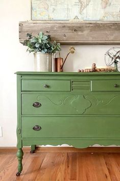 This Green Painted Dresser Makeover combines a beautiful paint color and furniture wax to create a custom piece in a few, short steps. Chest Of Drawers Makeover, Dresser Makeovers, Hutch Makeover, Dresser Ideas, Barn Quilts For Sale, Old Tables, Coffee Tables, Green Dresser, Vintage Chest Of Drawers