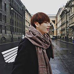Read Sedici from the story Istagram Tu E Tae! 💖 (Kim Taehyung) by TaeTae_my_Dream (Ale❤️) with 705 reads. Jimin, Bts Taehyung, Kim Namjoon, Bts Bangtan Boy, Seokjin, Daegu, Jung Hoseok, Bts Kim, Frases Bts