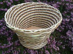 Obal na květináč Obal na květináč s pevným dnem Průměr dna 17cm Horní průměr 24 cm Výška 17 cm Wicker Baskets, Dna, Decor, Decoration, Decorating, Woven Baskets, Deco, Gout