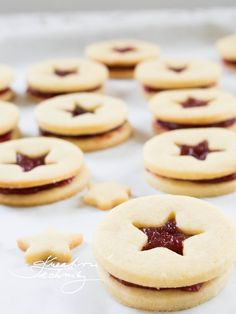 Christmas Baking, Christmas Cookies, Christmas Crafts, Doughnut, Cookie Recipes, Food And Drink, Sweets, Recipes, Xmas Cookies