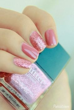 Today, we are introducing you with various ideas of decorating your short nails…