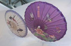Non potevano mancare i famosi ombrellini di carta.