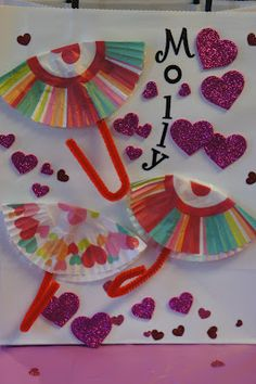 Fun Valentine Activities inspired by the book The Day it Rained Hearts @ Mommy and Me Book Club!