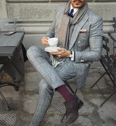 Day 2 of Pitti Uomo '89 . Starting the day with an espresso doppio and @etonshirts cashmere details. #meandmyeton