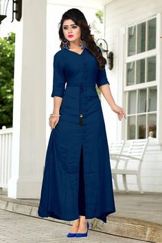 New Latest Designer Party Wear Navy Blue Colour Cotton Kurti. Kurta Designs, Kurti Designs Party Wear, Blouse Designs, Plain Kurti, Party Kleidung, Indian Designer Wear, Mode Outfits, Bollywood Fashion, Bollywood Saree
