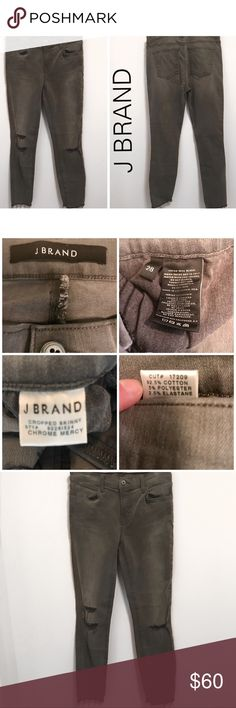 """J BRAND CROPPED SKINNY CHROME WASH - 28 In EUC —Ripped knees and a frayed hem deconstruct the look of these ankle-length J Brand skinny jeans, rendered in washed-out black for a grunge aesthetic. 5-pocket styling. Lightweight stretch denim.  📍Pre owned Excellent condition- only flaw is some writing on inner pocket. See picture 8.  Yo cannot see it from the outside. No wear or stains! Non smoking home   MEASUREMENTS laying flat Size:28 Waist:14"""" Rise: 8"""" Length:34.5"""" Hips-13"""" Inseam: 26"""" Leg…"""