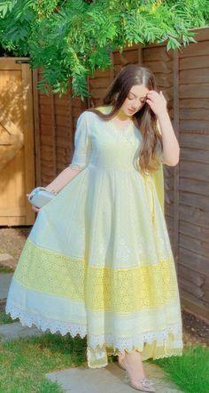 Party Wear Indian Dresses, Pakistani Fashion Party Wear, Indian Fashion Dresses, Dress Indian Style, Indian Designer Outfits, Fancy Dress Design, Girls Frock Design, Stylish Dress Designs, Beautiful Pakistani Dresses