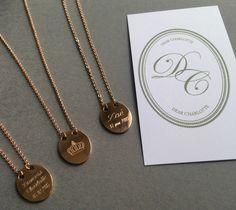 Médaille Couronne Gravée  #PrincessCharlotte #Zoé