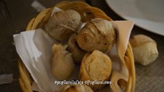 Pane preparato al momento con lo stesso impasto della pizza, ai 7 cereali e bianco