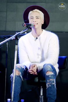 It's the best when he smiles like this <3 #SHINEE #JONGHYUN