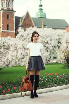 French Style Women Tips: Parisian Outfits 2019 2019 French Style Women Tips: Parisian Outfits 2019 The post French Style Women Tips: Parisian Outfits 2019 2019 appeared first on Socks Diy. Beautiful Outfits, Cute Outfits, Schoolgirl Style, Paris Mode, School Girl Outfit, Parisian Style, Parisian Fashion, Ladies Dress Design, Dress To Impress