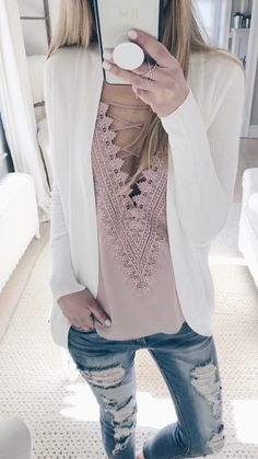 Gorgeous pale pink lace camisole and white blazer - great combination ☀️ Stylish outfit ideas for women who follow fashion from Zefinka.