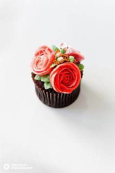 @specialmomentca special moment cupcakes, #birthdaycupcakes, #buttercream #chocolate #dessert #vancouver #cupcakes sara paley photography