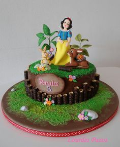 Snow White Birthday Cake ♡ ♡