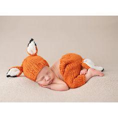 (http://www.spearmintlove.com/fox-newborn-set/)