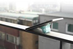 Le Multi Band et le Kit Car deux ingénieux accessoires qui changerons votre facon d'utiliser votre smartphone ou votre tablette.