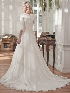 @BridalPulse Wedding Dress Gallery | Maggie Sottero Spring 2016 | Floor White A-Line V-Neck $$ ($1,001-2,000)