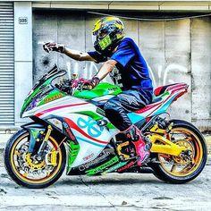 Kawasaki tuneada cuantos like para esta obra de arte?