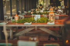 An Organic Riverside Old Florida Wedding Wedding Costs, Wedding Vendors, Save The Date Online, Flower Decorations, Table Decorations, Table Garland, Island With Seating, Flower Studio, Planner Decorating