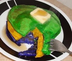 """Mardi Gras is also knows as """"Pancake Tuesday"""". It was traditional to eat pancakes on Fat Tuesday because making them used up a lot of ingredients you weren't allowed to eat during lent like eggs, butter & milk. Mardi Gras Food, Mardi Gras Party, Holiday Parties, Holiday Fun, Festive, Holiday Ideas, Catholic Icing, Crown Cookies, Catholic Crafts"""