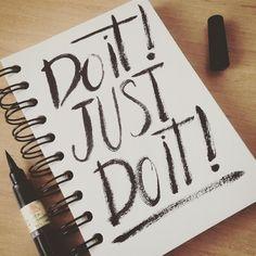 Mi deseo para este 2017 es: que lo hagas!! Realiza eso que tanto sueñas y hazlo realidad ;) DO IT!! JUST DO IT!! #doitjustdoit #shialabeouf #2017 #resolution #propósitos #esteañosiquesi #doitjustdoitmakeyourdreamscometrue  #lettering #handlettering #calligraphy #notebook #propositos #deseos #wishes #typematters #handwritten #handdrawn #brushtypelettering #brush #strong #notebooks #pentel #sarapuig #wip