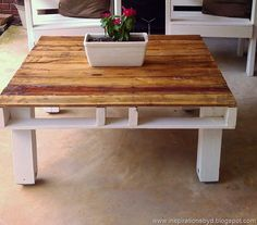 DIY:Outdoor Pallet Table This will be perfect with my outdoor pallet bench!!