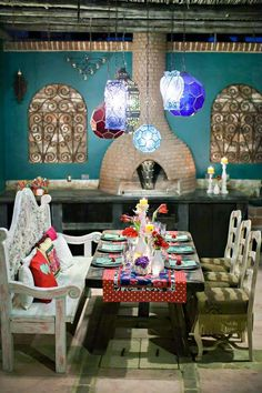 Fill your reception with color by going for a Mexican table theme with shades of blue and red   Photography by Ana & Jerome