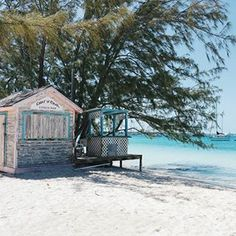 House Goals  Definitely too small to live in...but a small house by the sea somewhere in the Caribbean...this must be it  Who's gonna join?   Leider viel zu klein, um darin zu wohnen, aber das wärs echt...ein kleines pastellfarbenes Häuschen irgendwo am Strand in der Karibik. Wer kommt mit?  #stockingisland  #bahamasbeach #exumadream #itsbetterinthebahamas #lifeisbetteratthebeach #vitaminsea #bahamas #paradies #karibik #chatnchill #beautifuldestinations #travelblogger_de #travelbl...