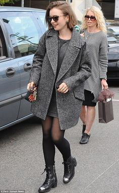 Signature style: The 25-year-old British beauty was perfectly dressed for fall fashion on ...