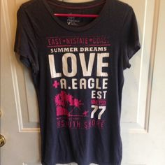 AE TSHIRT Worn in places still cute and comfy American Eagle Outfitters Tops
