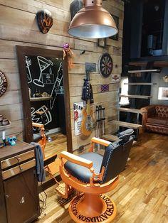 Barber Shop Interior, Barber Shop Decor, Salon Interior Design, Salon Design, Barber Man, Beard Barber, Barber Chair, Best Barber Shop, Barber Equipment