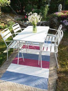 Maalattu matto   Meillä kotona Outdoor Furniture Sets, Outdoor Decor, Flooring, Garden, Table, Home Decor, Boho, Diy, Garten